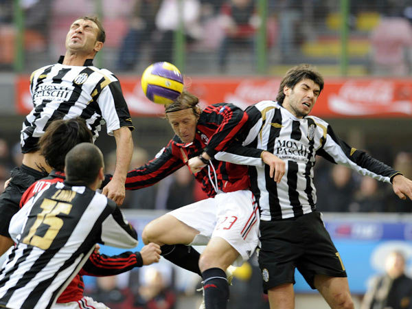 Milan-20080211-ambro戰況激烈.jpg