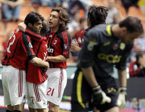 Milan-20080420-kaka戴帽-2.