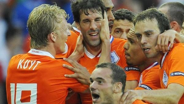 荷-20080609-大勝義大利-慶祝