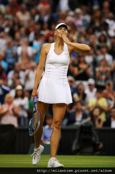 2011溫布頓-0628-女子八強-Sharapova飛吻.jpg