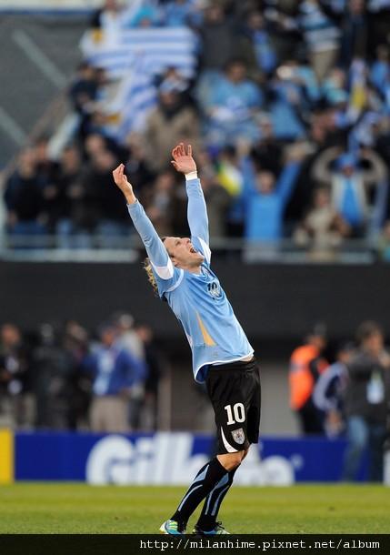 2011美洲杯決賽-0724-Uruguay-DiegoForlan-g.jpg