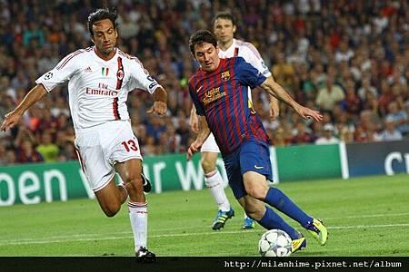 Milan-20110912-CLD1-Barca-Nesta-Messi2.jpg