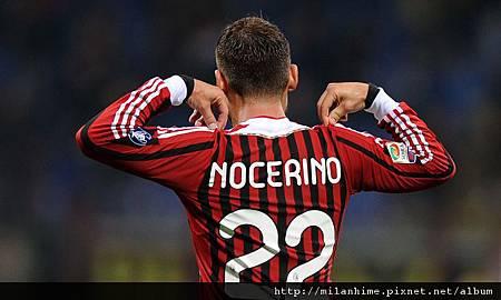 Milan-20111026-NocerinoGoal-22背影.jpg