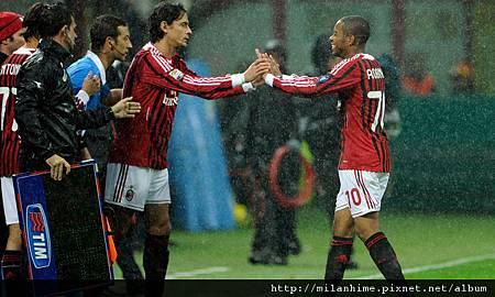 Milan-20111106-R11-Pippo-Robinho.jpg