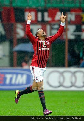 Milan-20111106-R11-RobinhoGoal-1.jpg