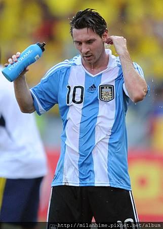 20111116-1-重點在球衣-Messi.jpg