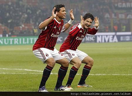 Milan-20111127-R13-Pato-Silva-goal-funny.jpg