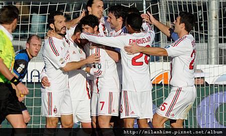 Milan-20120108-R17-Goal歡慶1.jpg