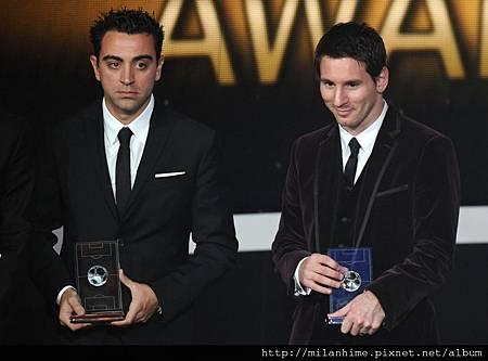 2011金球獎Messi-Xavi.jpg