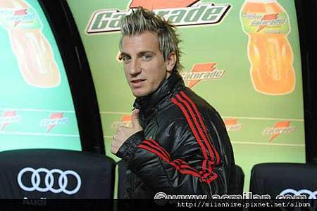 Milan-20120129-R20-MaxiLopez帥哥加盟4.jpg