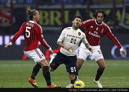 Milan-20120129-R20-黑金雙帥後防-NestaMexes.jpg