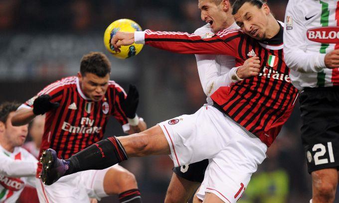 Milan-Juve-20120208-CoppaItalia-funny防守-抱人.jpg