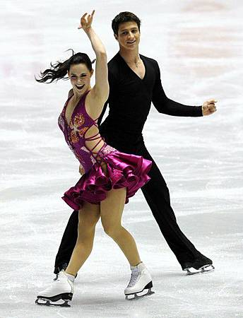 2012WorldTeamTrophy-TessaVirtue-ScottMoir