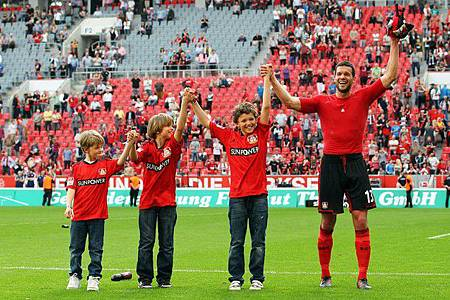 MichaelBallack-20120428-Adio-farewell-children