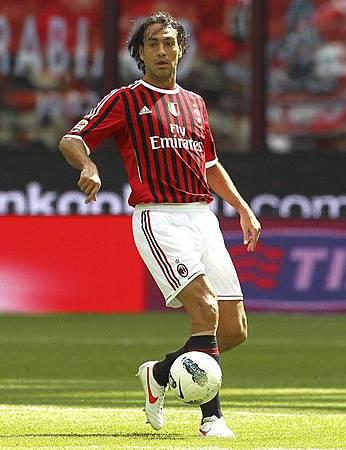 Milan-20120422-R34-Bologna-Nesta