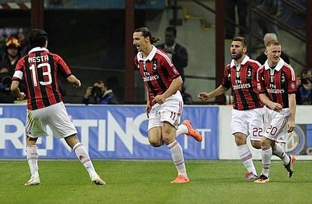 Milan-20120506-Inter-重點在Nesta-背影-g