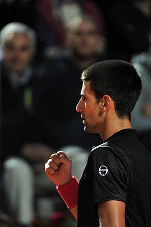 2012Roma-0519-Nole-Federer-勝利握拳