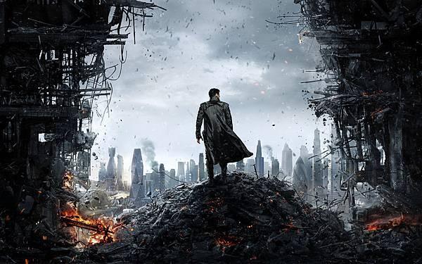 BenedictCumberbatch-2013-Star_Trek_into_darkness-poster1