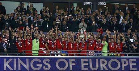 CLFinal-20130525-Bayern-win-舉杯瞬間2