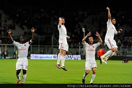 Milan-2011-0410-賽後-歡躍跳高高.jpg