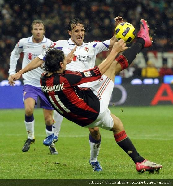 Milan-20101120-IbraGoal.jpg