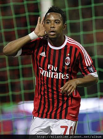 Milan-2011-0514-Robinho-Goal.jpg
