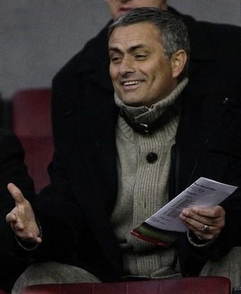 MU-Chelsea-20090111-重點在場邊-Mourinho4.jpg