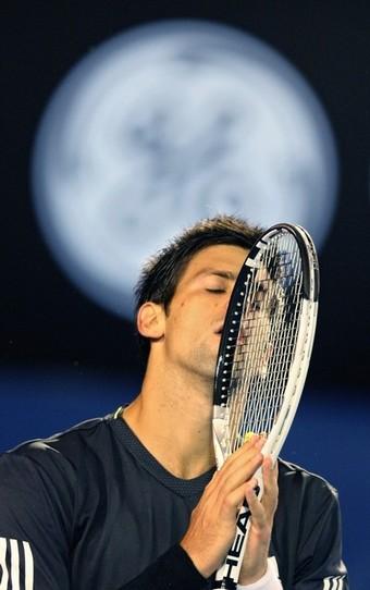 Djokovic-20090125-16強-懊惱3