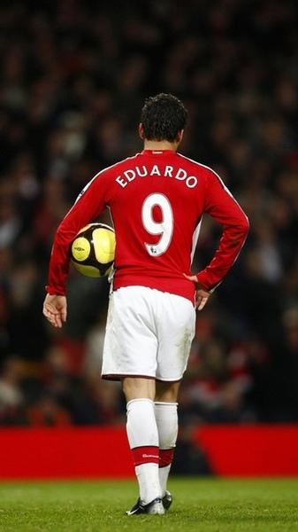 Arsenal-20090216-Dudu-Eduardo背影.jpg
