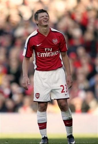 Arsenal-20090221-Arshavin-作怪中.jpg
