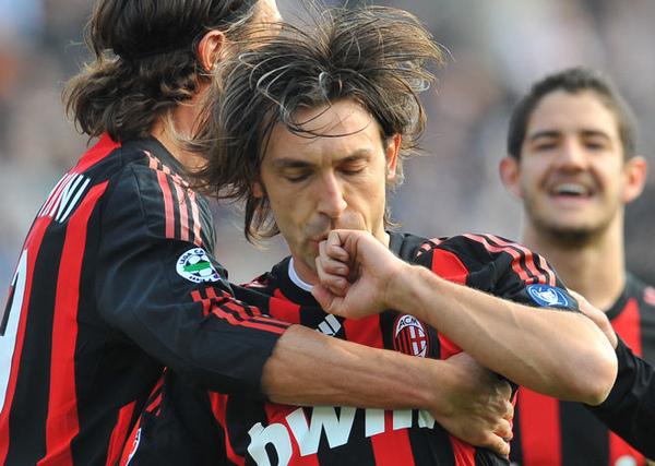 Milan-20090315-pirlo-goal-kiss-a.jpg