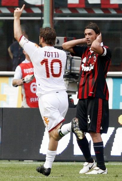 Maldini-20090524-Roma-Totti-goal.jpg