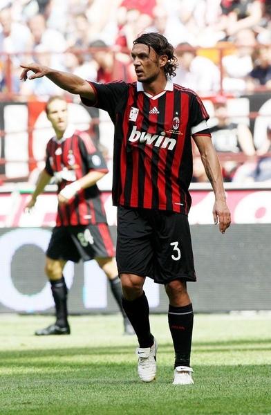 Maldini-20090524-Roma-close2.jpg