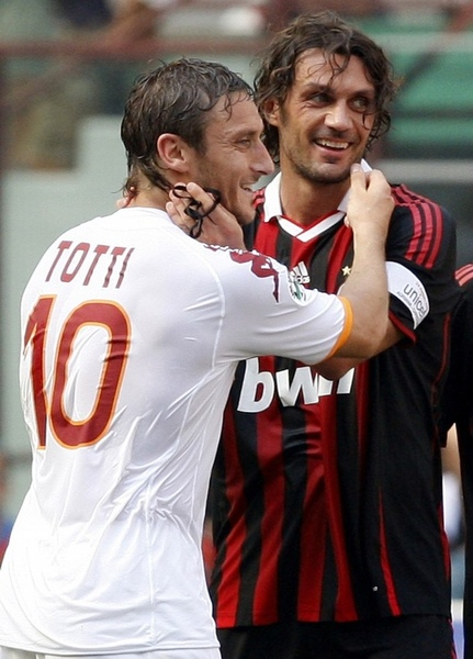 Maldini-20090524-Roma-Totti告別-g.jpg