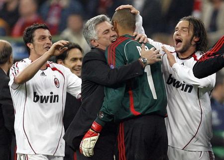 20070411-Bayern-Ancelotti感謝Dida.jpg