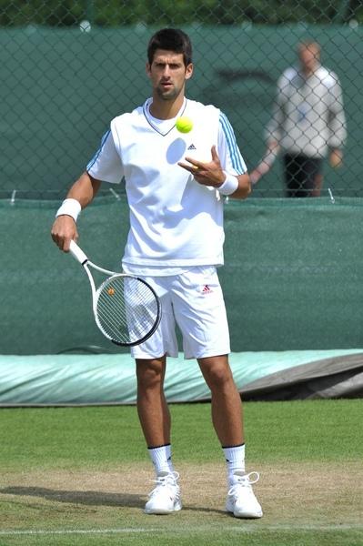 2009溫布頓-Djokovic-大賽前場地練習.jpg