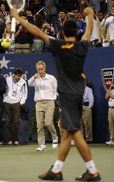2009USopen-0907-Djokovic-McEnroe-搞笑二人組4.jpg