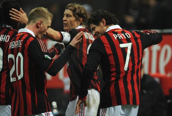 Milan-20100212-pato進球歡慶-Abate2.jpg