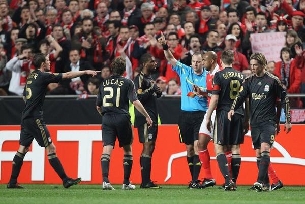 Benfica-Liverpool-20100401-UEL-Babel愚人節紅牌2.jpg