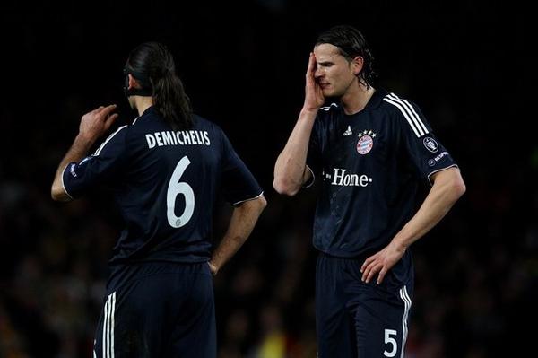 MU-Bayern-20100408CL-上半場-VanBuytn-Demichelis.jpg