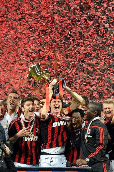 Milan-20100414-青年杯冠軍-紅黑紙吹雪.jpg