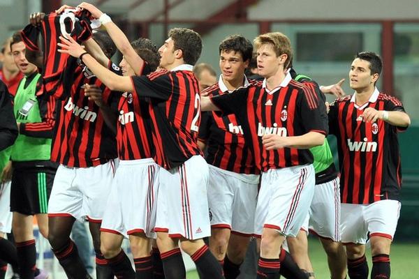 Milan-20100414-青年杯冠軍-青春.jpg