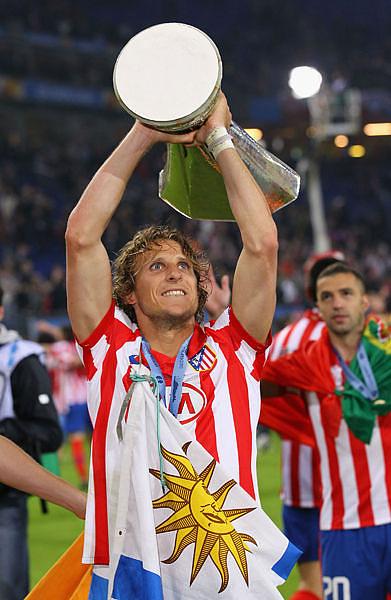 UEL-Final-20100512-馬競冠軍-Forlan-MVP.jpg