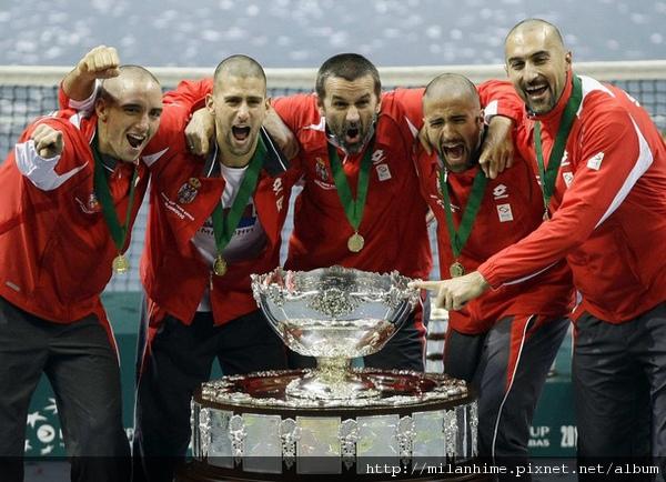 2010DavisCup-Final-20101205-光頭Serbia隊冠軍.jpg
