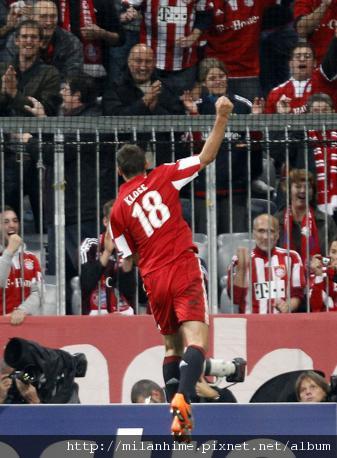 Bayern-20100915CLM1-KloseGoal.jpg