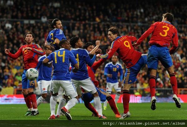 Spain-2011-0209-重點在三號-Yepes-Pique1.jpg
