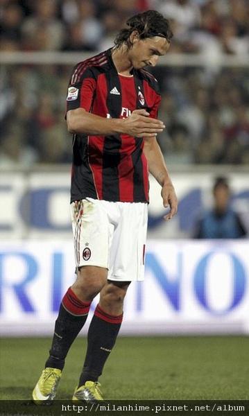Milan-20100911-R02-出師不利Ibra.jpg