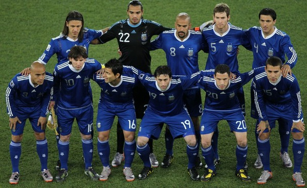 WC2010-0622-阿根廷-funny-Messi-Aguero.jpg