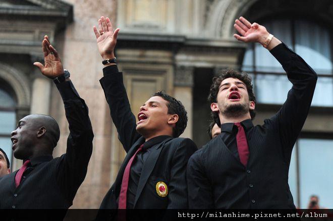 Milan-2011-0514-米蘭遊街-快樂的人請舉手-patoSilva-seeodorf.jpg