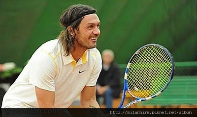 Maldini-2011-02-Tennis.jpg